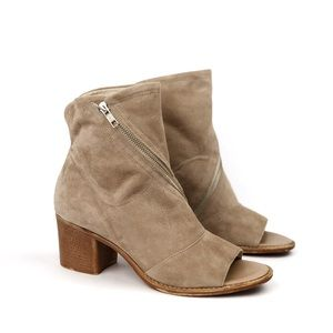 Summit by White Mountain | Fantasia Suede Booties